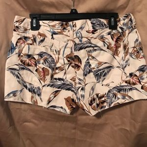 Jean material print shorts size 28